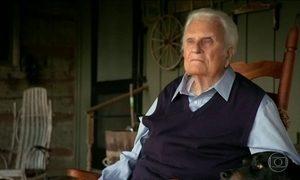 Morre pastor evangélico americano Billy Graham, aos 99 anos
