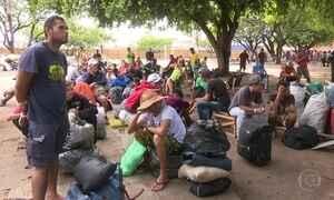 Operação retira mais de 800 venezuelanos de praça em Boa Vista