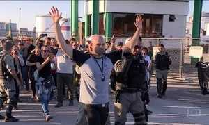 Petroleiros começam greve em várias refinarias do país
