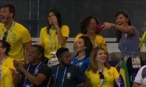 Famílias dos jogadores assistem à estreia da seleção brasileira na Rússia