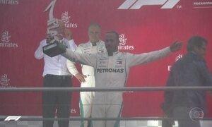 Lewis Hamilton retoma liderança na Fórmula 1