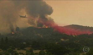 Sobe para 8 número de mortos em incêndios florestais na Califórnia