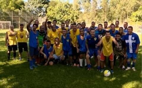 """Grupo """"Sabadeira"""" se reúne para praticar esporte"""