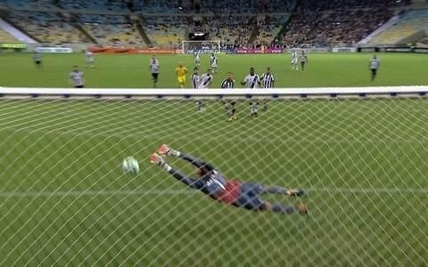 No reencontro com a torcida, Vasco derrota o Botafogo no Maracanã