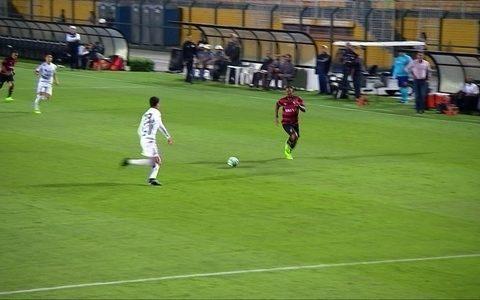 Santos empata com Vitória e perde chance de se aproximar do líder: 2 a 2