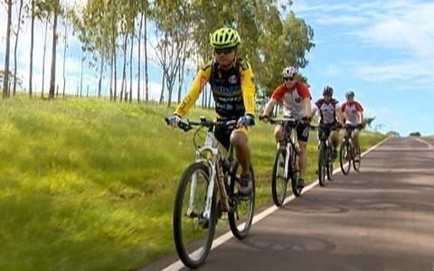 Grupo de amigos se reúne para pedalar na região de Prudente