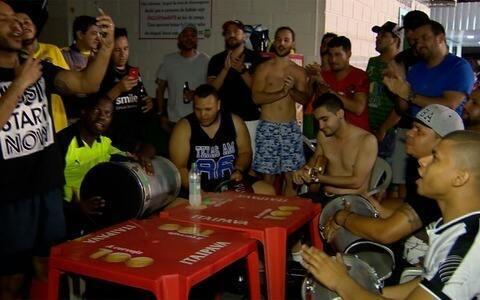 "Grupo ""Só Pro Terceiro"" alia futebol, samba, churrasco e resenha"