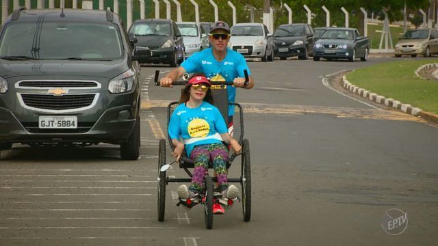 Jovem com paralisia recebe ajuda para participar da Integração