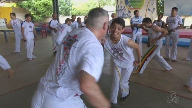 Alunos de Rede Cidadania recebem nova graduação na capoeira