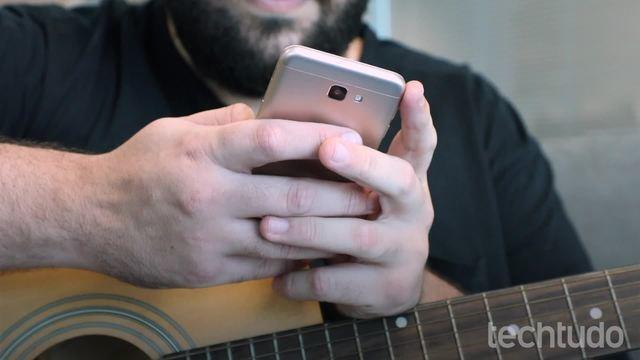 Como aprender músicas com aulas em vídeo no app Cifra Club