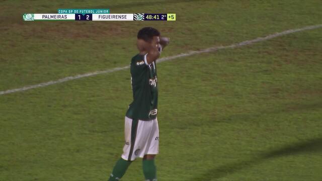 Léo Passos faz jogada incrível e quase marca golaço para o Palmeiras, aos 48' do 2°T