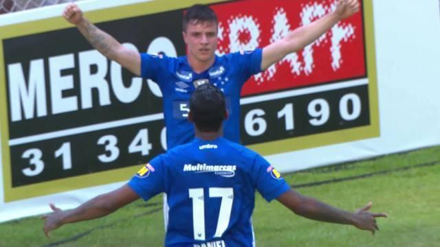 Gol do Cruzeiro! Raniel aproveita rebote de Georgemy e marca o terceiro do Cruzeiro