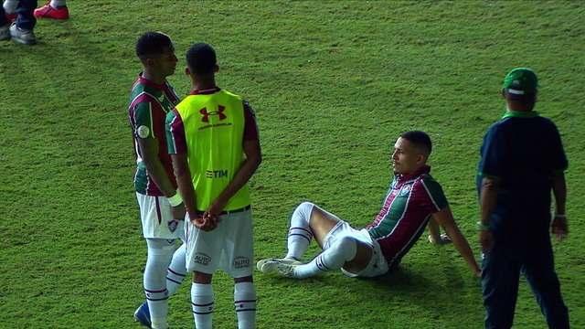 Luz do Maracanã cai ainda mais, jogo ficará paralisado por 10 minutos