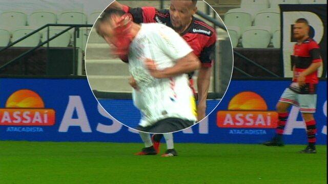 Camacho é atingido e jogadores pedem expulsão de jogador do Ituano aos 30 do 2º tempo