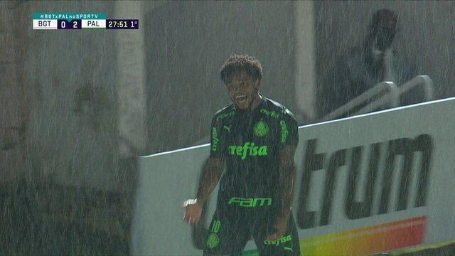 Gol do Palmeiras! Rony cruza, defesa rebate, e Luiz Adriano faz o terceiro, aos 27 do 1º tempo