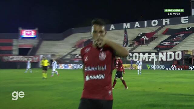 Aos 10 min do 1º tempo - gol contra de Ernando do Brasil de Pelotas contra o Vasco