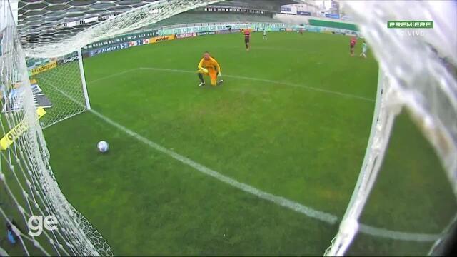 Aos 24 min do 1º tempo - gol de fora da área de Matheus Peixoto do Juventude contra o Flamengo