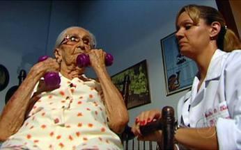 Brasil + 60: mais saúde para os novos velhos - Eles se esforçam para vencer a rotina de limitações. Segundo o geriatra, a ajuda da família é importante, mas não é tudo. É preciso também cuidar bem da saúde antes de se tornar idoso.
