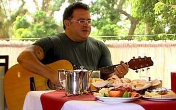 Café da Manhã: Léo Jaime é o convidado desta sexta (4) - O músico, cantor, compositor, comediante e jornalista fala de suas múltiplas tarefas. Léo Jaime lembra o início da carreira, fala da dificuldade para perder peso e dá canjas de seus sucessos.