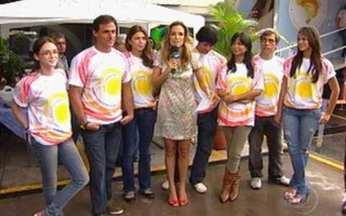 Atores participam de campanha de prevenção ao câncer de pele - Grazi Massafera e Gustavo Leão participam da ação no Projac.