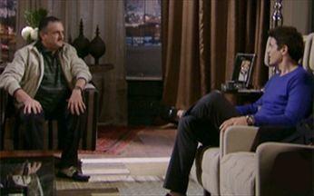 Passione - Capítulo de Quarta-feira, 16/06, na íntegra - Saulo convida Fred para jantar e faz uma proposta para o procurador de Totó