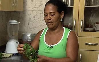Chá de mãe-boa pode ser perigoso para o fígado - Drauzio Varella mostra a história de Lindiane, de 26 anos, que mora em Salvador. Ela tomou um chá de mãe-boa, que causou-lhe hepatite tóxica e teve que fazer transplante de fígado.