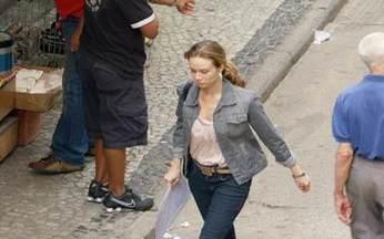 Passione - capítulo de quarta feira, dia 22/09/2010, na íntegra - Clara sai em busca de um emprego