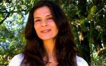 Helena Ranaldi dá dica de beleza - Atriz recomenda dermatologista e equilíbrio