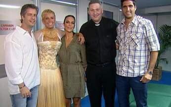 Video Show invade bastidores do especial de Natal da Xuxa - Ivete Sangalo e Victor e Leo contam como será participação no programa