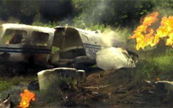 Insensato Coração – Capítulo de Segunda-feira, 24/01, na íntegra - O avião em que estão Pedro e Luciana cai e explode. Marina se desespera!