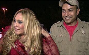 Confira os bastidores das gravações da série Lara com Z - Susana Vieira deu um show na cena do teatro