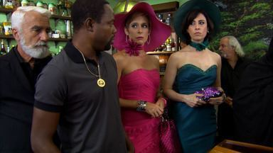 Tapas e Beijos – Episódio do dia 17/05/2011, na íntegra - Chalita recebe a notícia da morte de sua mãe e decide começar a aproveitar a vida como nunca havia feito antes.