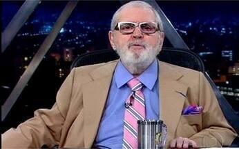 """Encerramento do """"Programa do Jô"""" - O apresentador compara a vida de um americano e um brasileiro."""