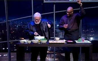 Gerry Garvin cozinha para o Jô - Ele faz um prato simples diante das câmeras.