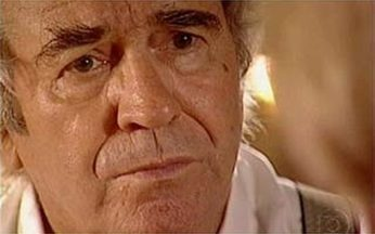Albieri revela ao padre que Léo é o clone - undefined