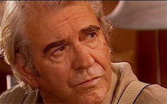 Albieri conta para Dalva que fez clone de Lucas - undefined