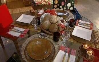 Veja como arrumar a mesa para receber amigos em casa - Uma mesa bem arrumada faz a diferença na hora de receber amigos para um almoço ou jantar. Veja algumas dicas com especialistas.