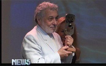 Vídeo Show News: Pedro Paulo Rangel é homenageado em festival de teatro - Confira o que é notícia entre as celebridades