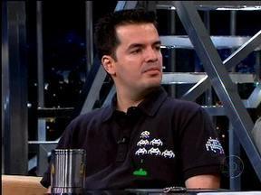 Marcelo Tavares fala de sua coleção de jogos no Jô - Colecionador mostra alguns jogos.