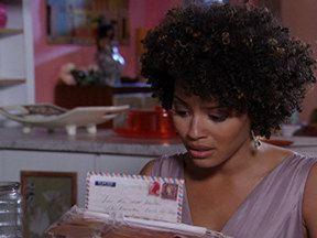 Aquele Beijo - Capítulo de sexta-feira, 06/01/2012, na íntegra - Sarita e Marisol leem cartas da mãe