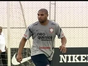 Giro de notícias pelo Brasil - Adriano luta para perder quilos, Jogadores do Cruzeiro respondem declaração irônica do presidente, e mascote do Ceará é punido.