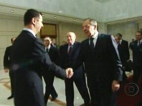 Ministro Russo das Relações Exteriores é recebido como herói na Síria - A Rússia e a China impediram que o Conselho de Segurança da ONU aprovasse uma resolução contra o governo sírio, que há 11 meses vem reprimindo com violência protestos que pedem a renúncia do presidente.