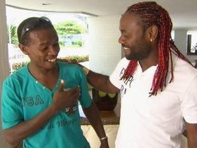 Alexandro encontra Vagner Love - O Domingão fez uma surpresa para Alexandro Silva e promoveu um encontro com seu ídolo