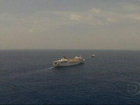 Navio que ficou à deriva no Oceano Índico começa a ser rebocado - Com cerca de mil pessoas a bordo, o Costa Allegra será levado para as Ilhas Seichelles. Um incêndio deixou a embarcação sem energia. Segundo a Costa Cruzeiros, ninguém se feriu.