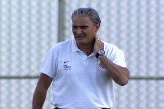 Tite faz rodízio no Corinthians para duelo com a Catanduvense - Técnico do Corinthians não gosta de poupar jogadores, mas terá de promover trocas na equipe titular diante da Catanduvense, nesta quarta-feira.