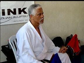 Realizado em Uberlândia um curso de arbitragem para juízes de karatê - Curso é feito durante o Campeonato Mineiro de karatê