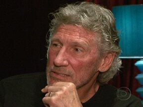 """Roger Waters fala sobre show no Brasil e promete homenagear brasileiro morto por engano - O ex-líder do Pink Floyd afirma que o """"The Wall"""" sempre foi uma obra exclusivamente dele. O músico promete prestar uma homenagem a Jean Charles de Menezes, morto em Londres, e revela que o show é cheio de surpresas visuais."""