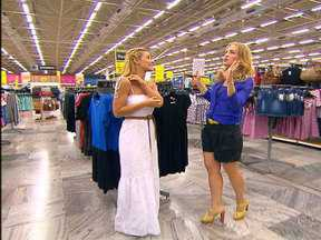 Angélica vai às compras com Carolina Dieckmann - As duas batem um papo sobre moda e estilo em um hipermercado carioca
