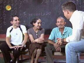 Luciano Huck conhece mais da vida de João e Maria - Apresentador conversa com o casal para saber mais detalhes da história deles
