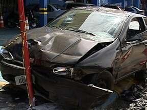 Motorista que provocou morte de uma pessoa é preso em Belo Horizonte - Câmeras registraram o acidente. O carro de Rodrigo Campos, de 26 anos, atingiu três veículos. Um dos carros era conduzido pelo cadeirante Alcino Pereira, que morreu na hora. Rodrigo se recusou a fazer o teste do bafômetro.
